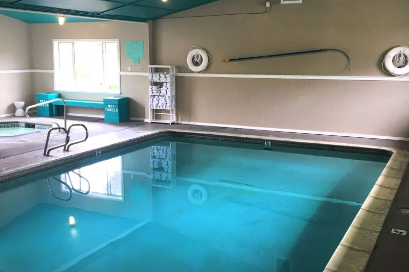 Hotel with a pool in Seaside, Oregon