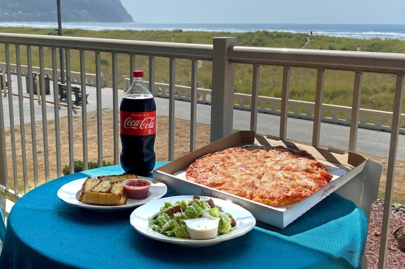 Seaside Stay, Plat and Eat Special